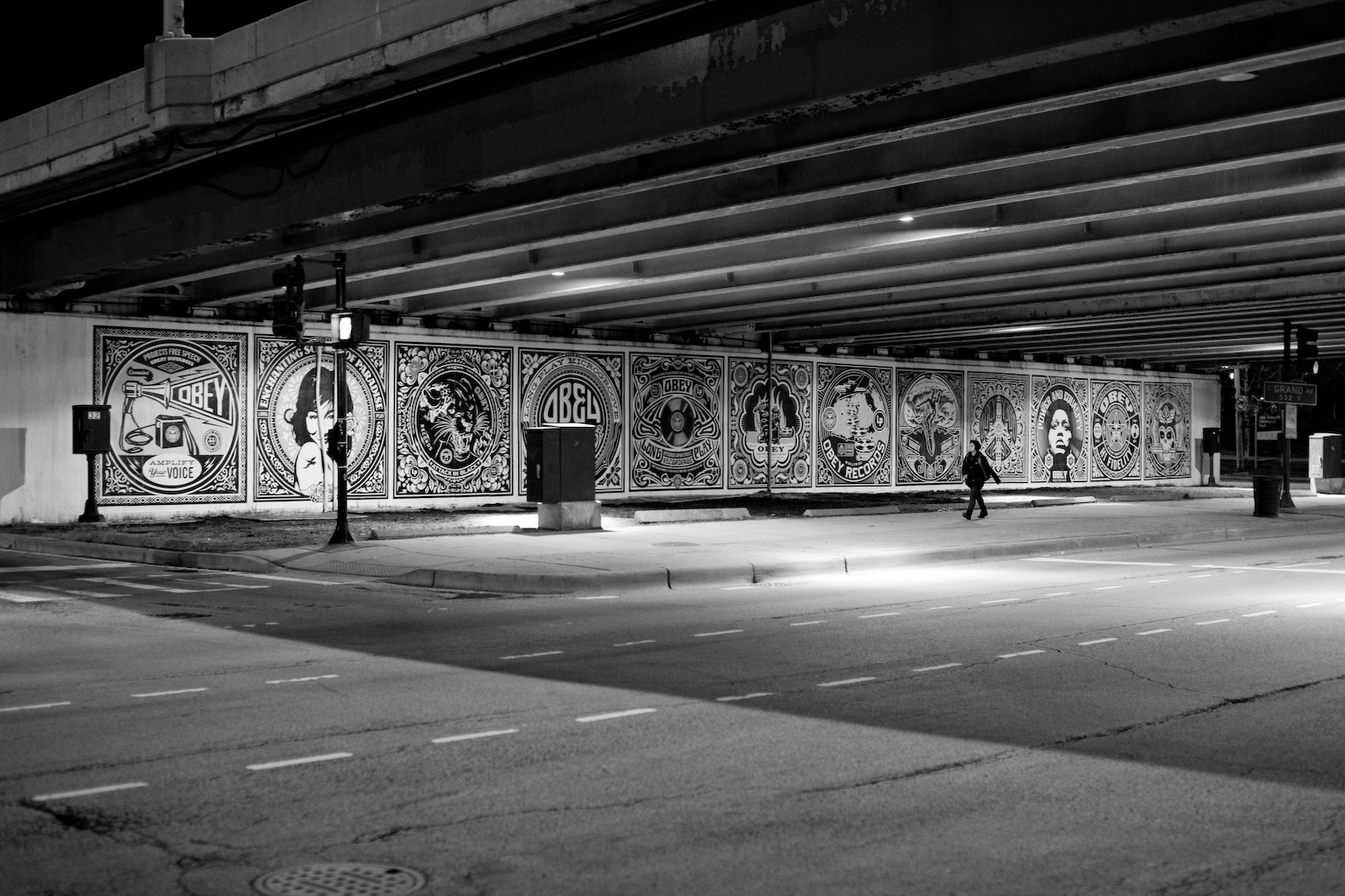 Revolutions mural x chicago obey giant for Mural in chicago illinois