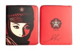 Mujer-fatal-ipad-case-with-signature-