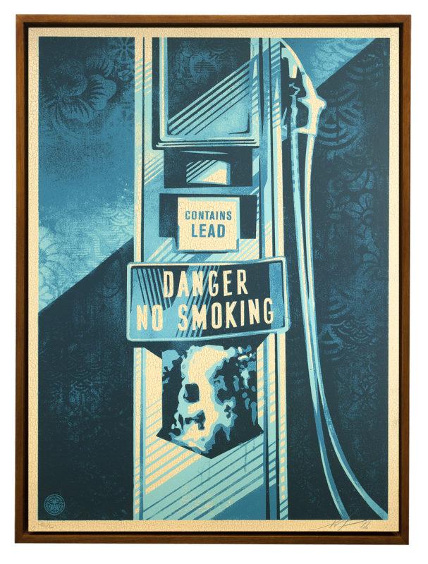 DANGER-NO-SMOKING-WOOD-PARIS
